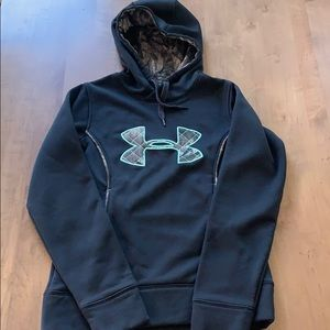 Under Armour Pullover Black with Camo Lining